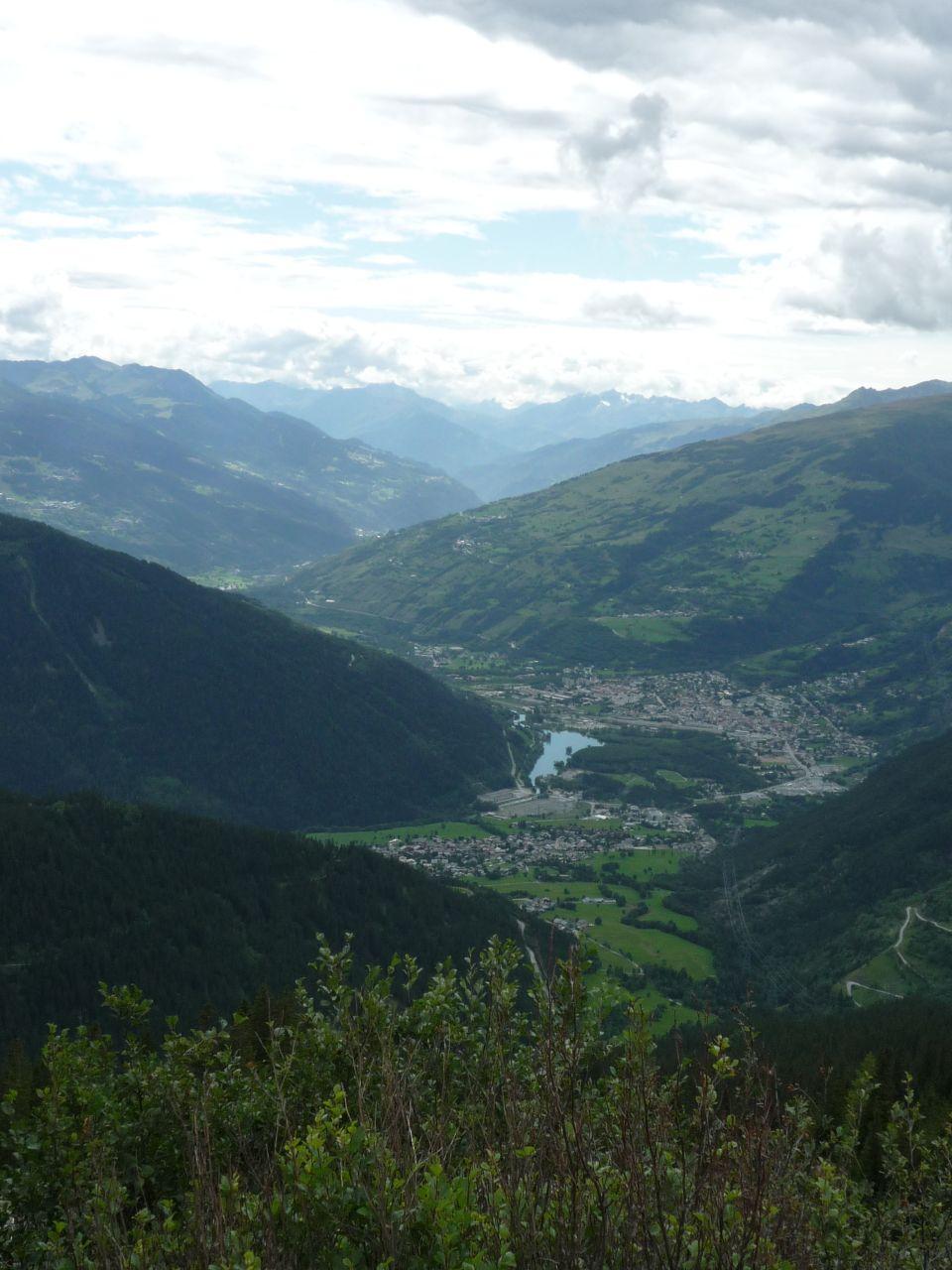 Blick auf Bourg-Saint-Maurice bei der Abfahrt vom Kleinen Sankt Bernhard